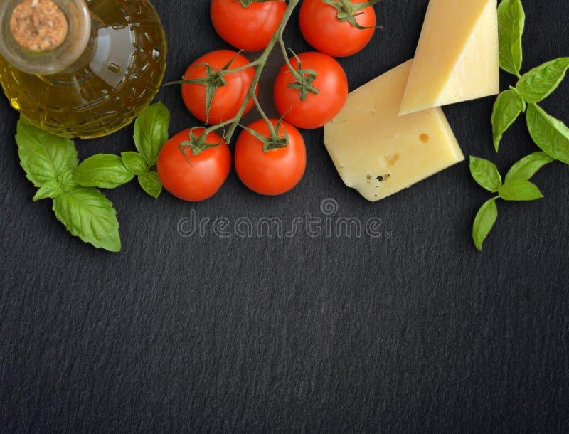 Ingredientes da culinária italiana fotos de stock royalty free