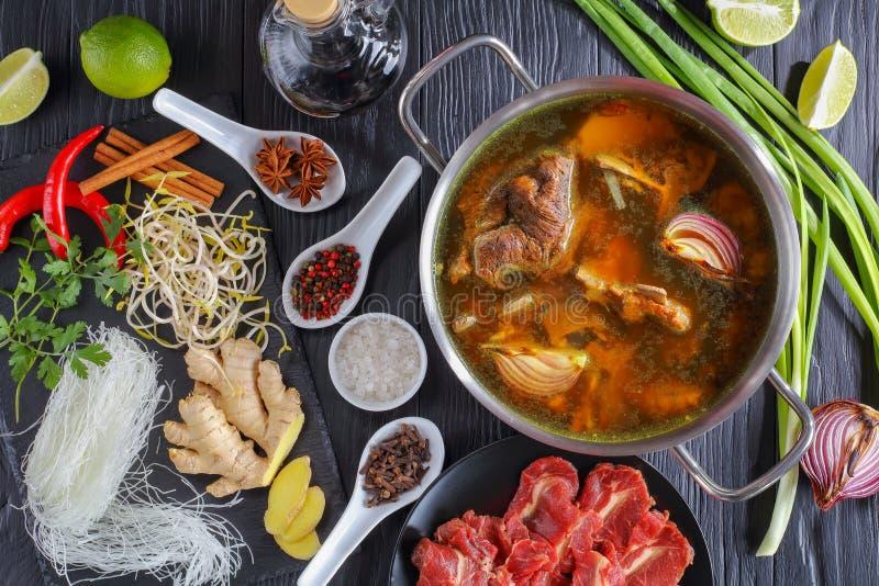 Ingredientes da sopa vietnamiana Pho BO imagens de stock