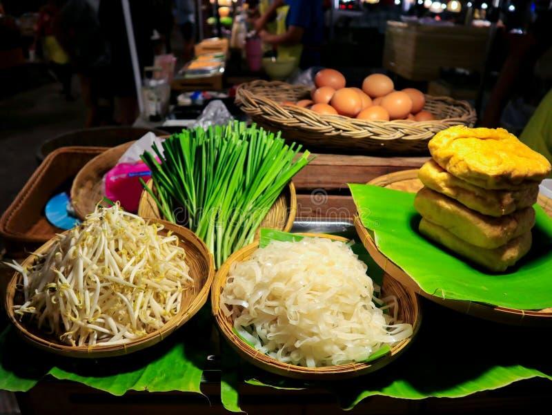 Ingredientes de macarrão frito Pad Thai imagens de stock