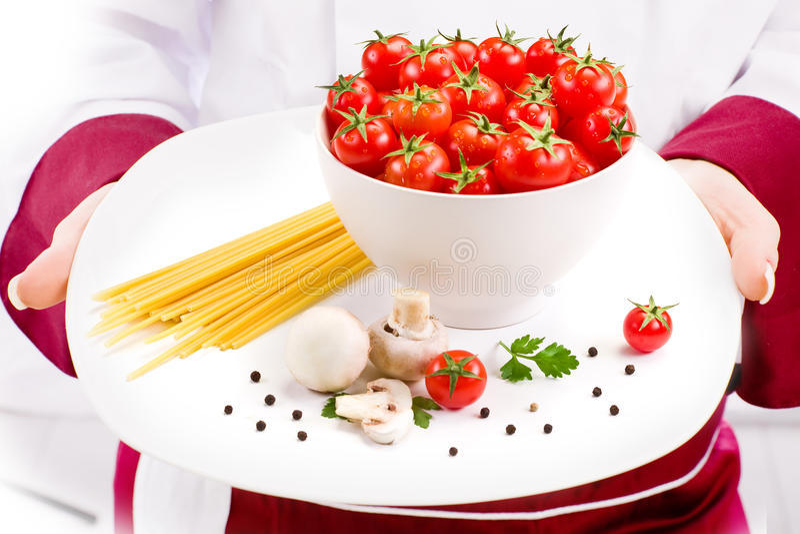 Ingredientes do cozinheiro chefe para a massa italiana imagem de stock royalty free