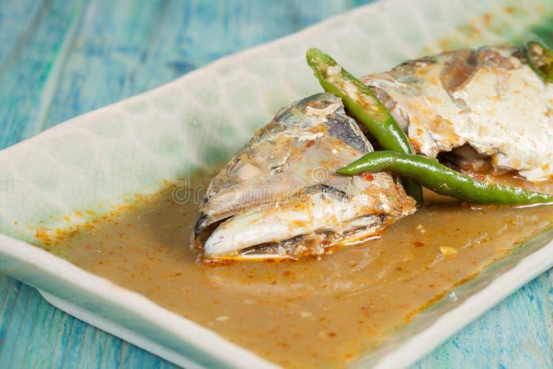 Ingredientes dos peixes fritados com Chili Sauce fotos de stock royalty free
