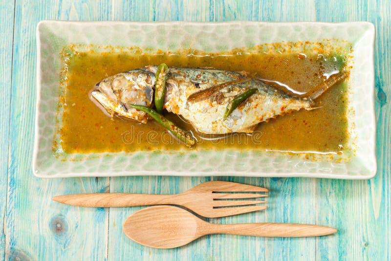 Ingredientes dos peixes fritados com Chili Sauce fotografia de stock