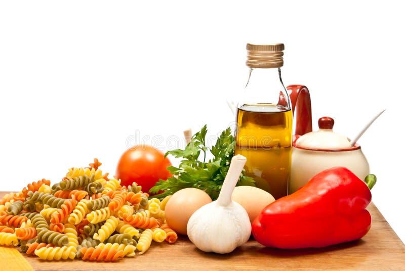 Download Ingredientes e espaguete imagem de stock. Imagem de quadro - 16864575
