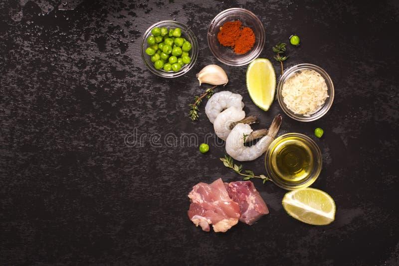 Ingredientes espanhóis do paella fotos de stock royalty free
