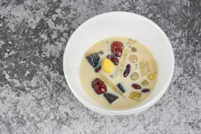 Ingredientes extra do leite de feijão de soja imagens de stock royalty free