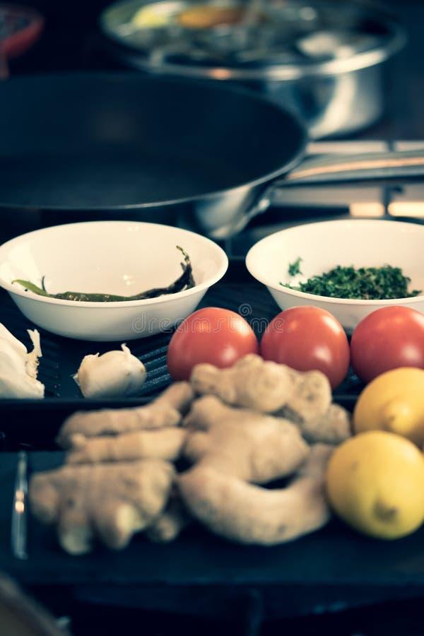 Ingredientes frescos para un curry indio imagen de archivo libre de regalías