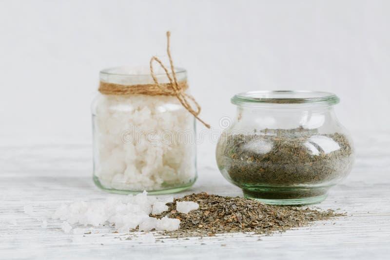 Ingredientes naturales para la máscara hecha en casa del facial y del cuerpo fotografía de archivo libre de regalías