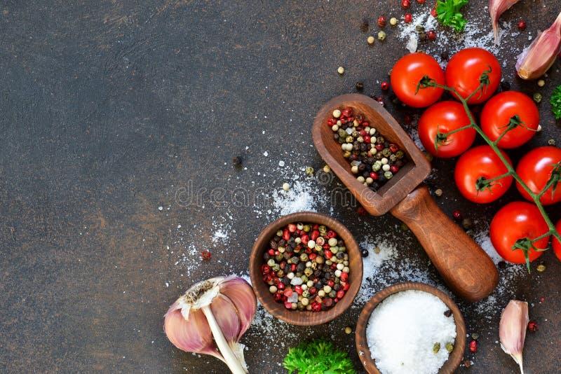 Ingredientes para cocinar Especias y vehículos Visión superior foto de archivo