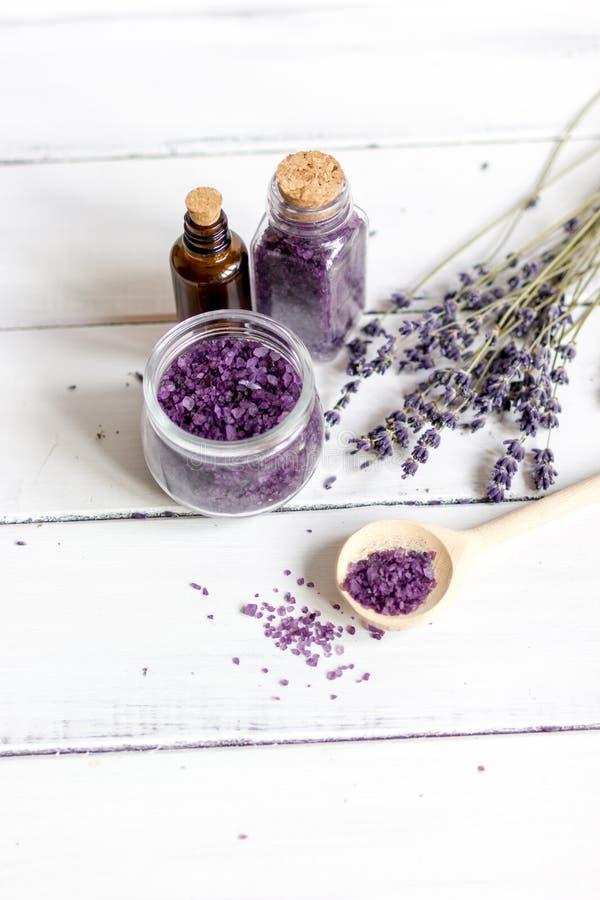 Download Ingredientes Para A Fabricação De Cosméticos Naturais Com Opinião Superior Da Alfazema Foto de Stock - Imagem de aroma, essencial: 80103146