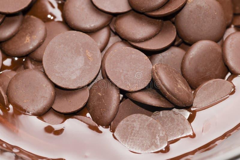 Ingredientes para la preparación del chocolate artesanal foto de archivo