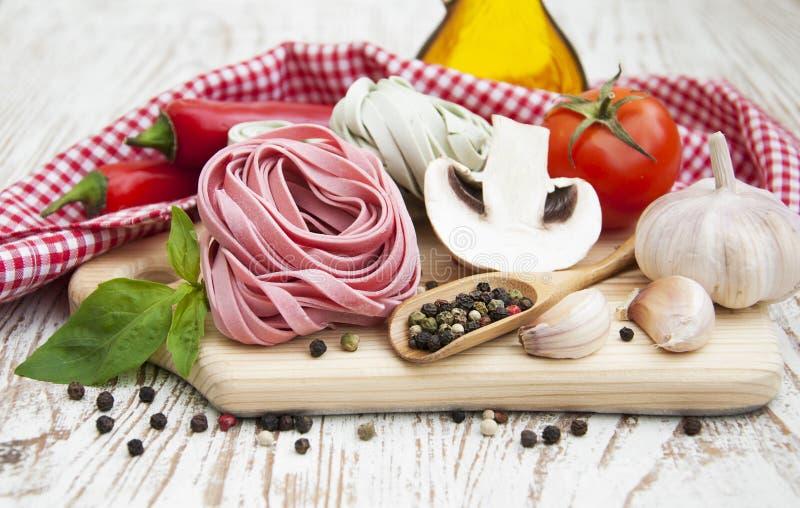 Download Ingredientes Para Las Pastas Italianas Foto de archivo - Imagen de sano, harina: 42433700