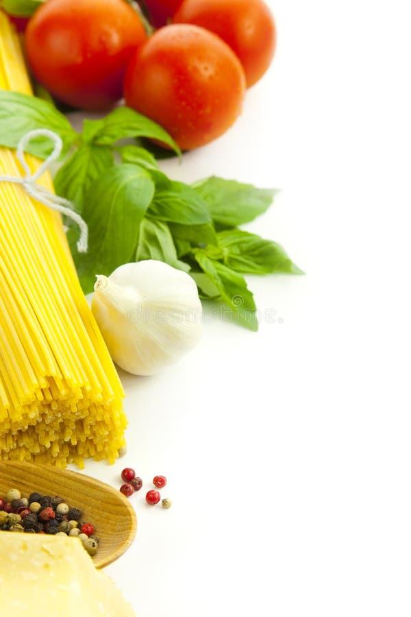 Ingredientes para o cozimento italiano imagens de stock