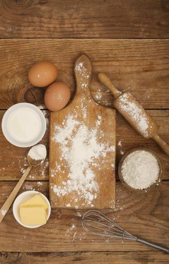 Ingredientes para a preparação de produtos da padaria foto de stock royalty free