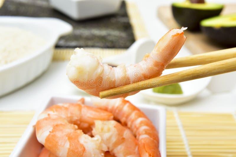 Ingredientes para preparar o sushi imagem de stock royalty free