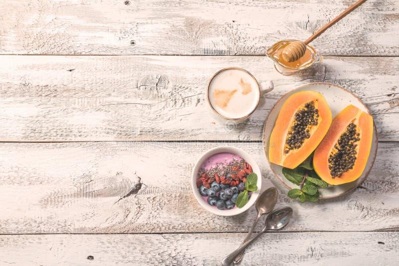 Ingredientes sanos del desayuno imágenes de archivo libres de regalías