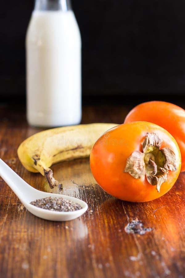 Ingredientes sanos del Smoothie del desayuno fotografía de archivo