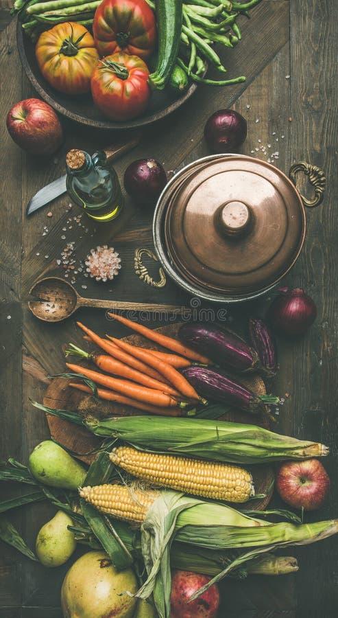 Ingredientes saudáveis do outono para a preparação do jantar do dia da ação de graças, liso-configuração imagem de stock