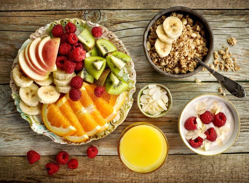 Ingredientes saudáveis do pequeno almoço fotografia de stock
