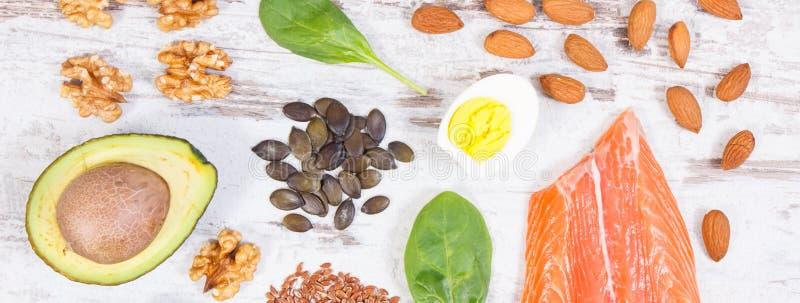 Ingredienti che contengono Omega 3 acidi, grassi e fibra insatura, stile di vita sano, nutrizione e concetto acido di dieta fotografie stock