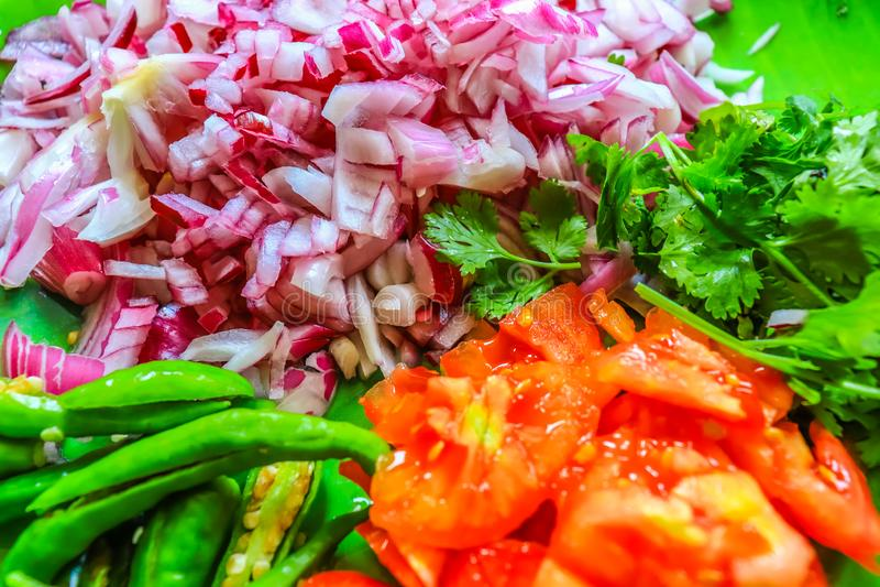 Ingredienti che produce l'alimento saporito delizioso per quasi tutto il tipo di gente immagini stock libere da diritti