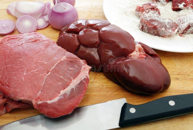 Ingredienti del rene e della bistecca immagine stock libera da diritti