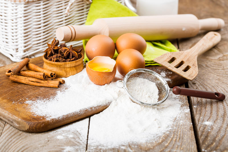 Ingredienti di base per cuocere fotografia stock