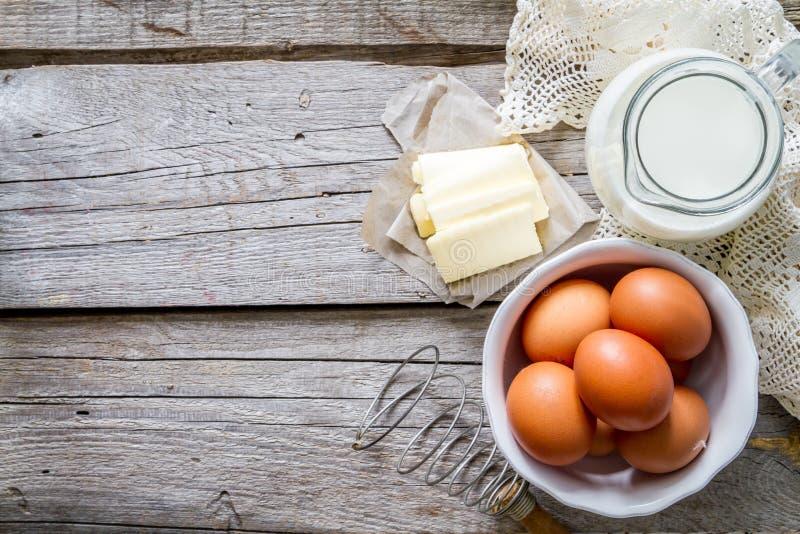 Ingredienti freschi del maket per cuocere il pane di pasqua fotografie stock libere da diritti