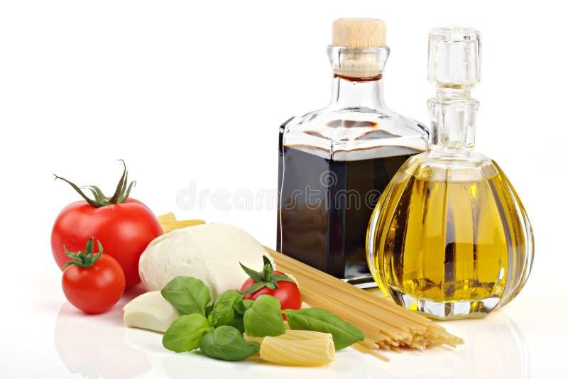 Ingredienti italiani 1 della pasta fotografia stock