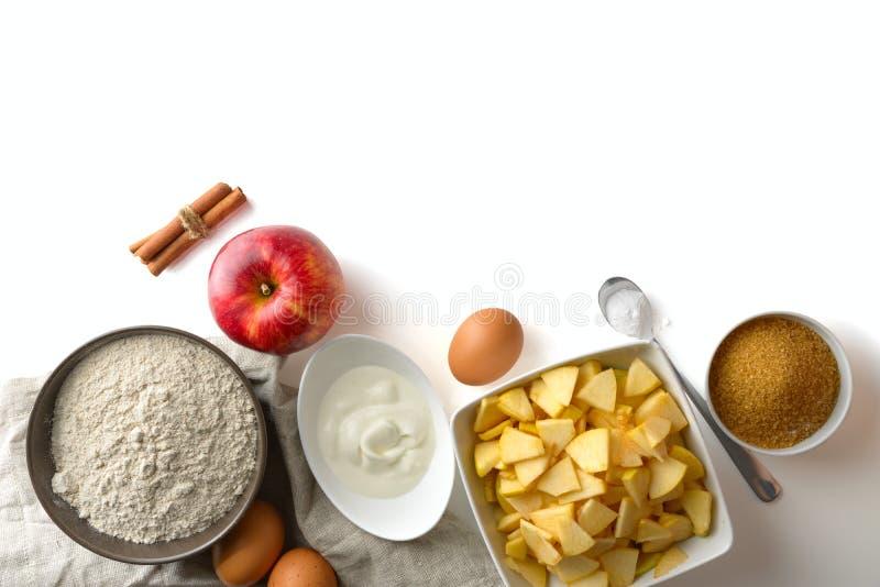 Ingredienti per cuocere Charlotte fotografie stock
