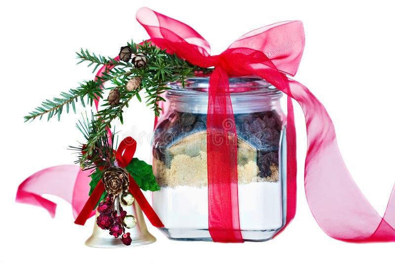 Ingredienti per i biscotti di pepita di cioccolato in un vaso fotografia stock libera da diritti