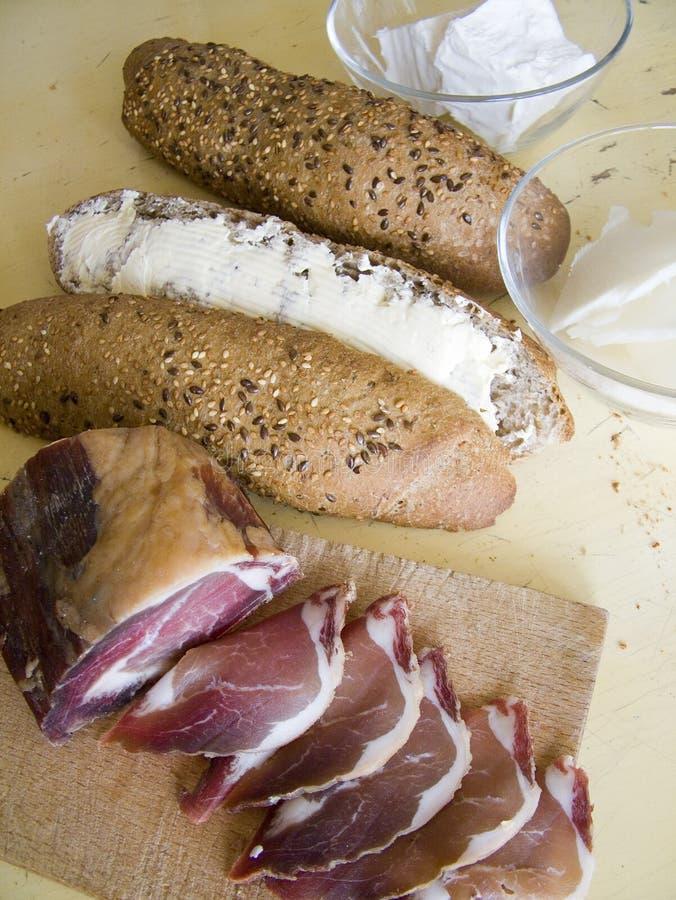 Ingredienti per il panino di prosciutto immagine stock