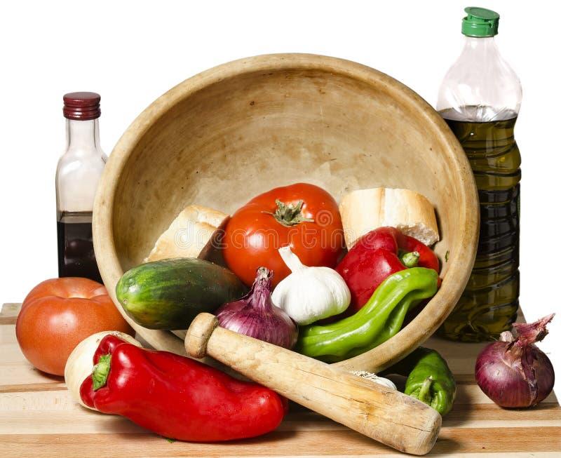 Ingredienti per la cottura della zuppa di verdure fredda di verdure immagini stock libere da diritti