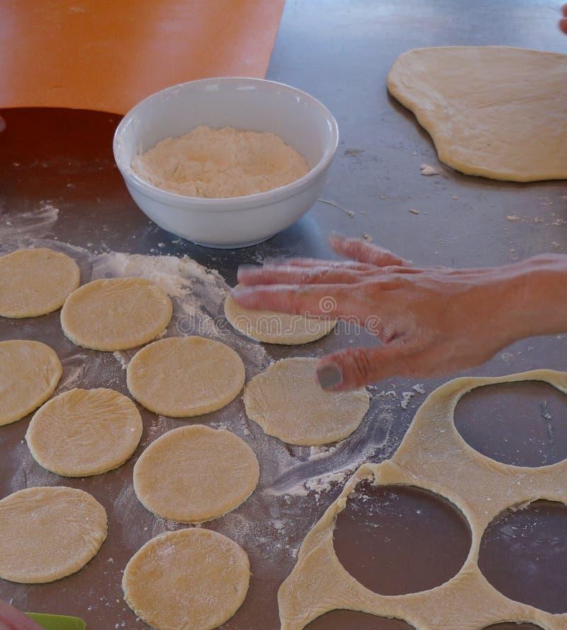 Ingredienti per la fabbricazione i biscotti e dei dolci immagini stock