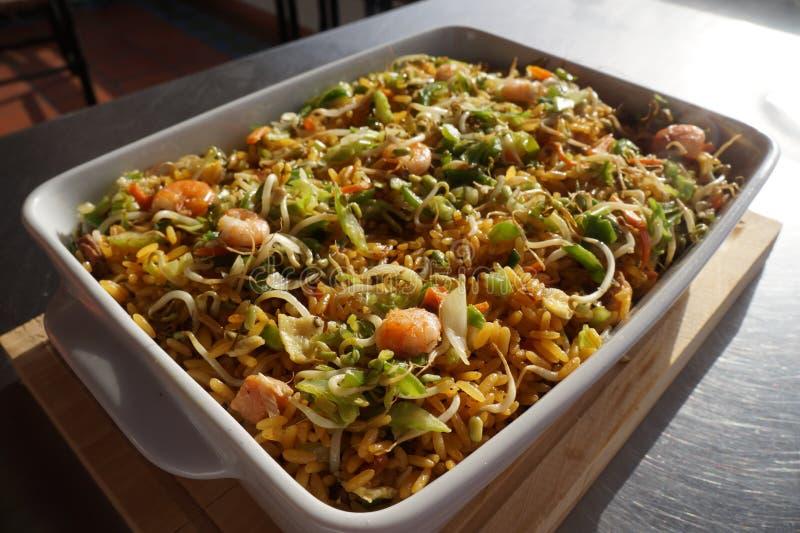 ingredienti per la preparazione della ricetta di chop suey fotografie stock