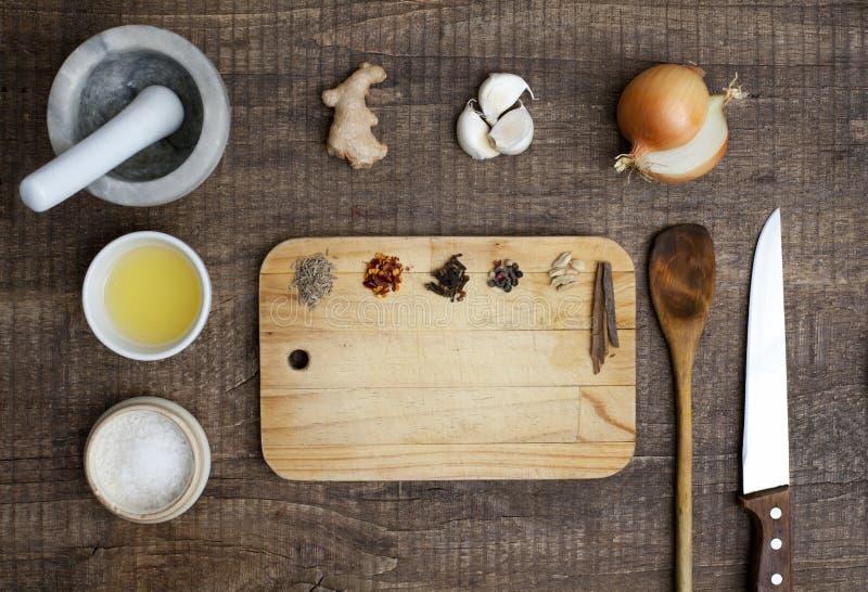 Ingredienti per produrre curry immagini stock