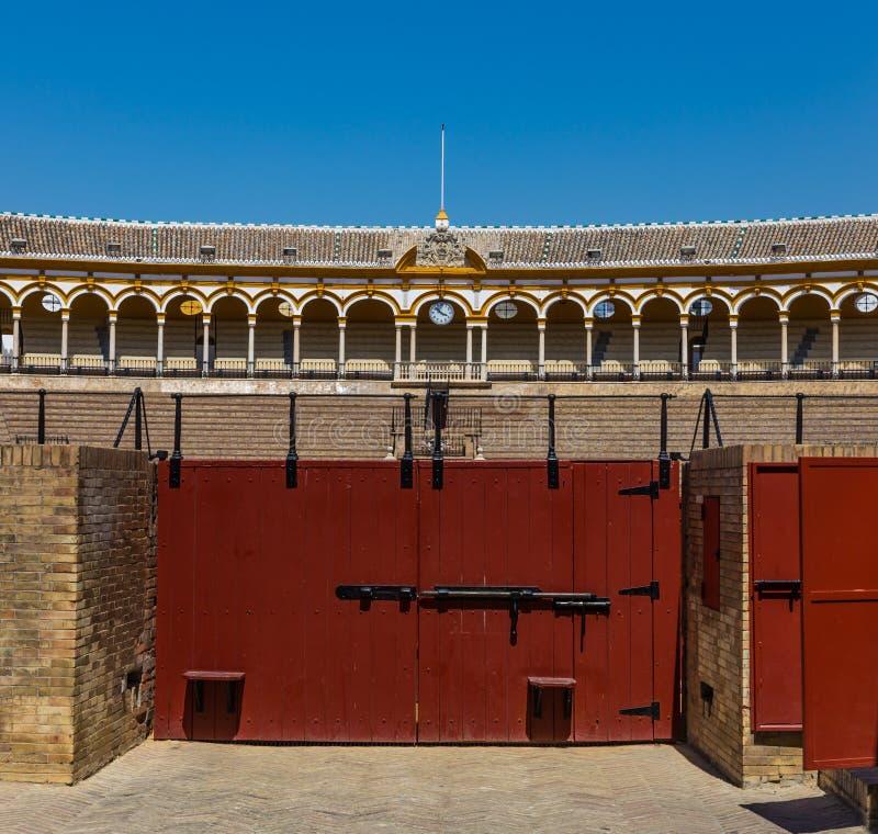 Ingresso ai toros de la Real Maestranza de Caballeria di Real Maestranza de Cavalry Plaza de dell'arena dell'arena in Siviglia, S immagine stock libera da diritti