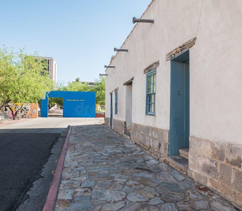 Ingresso del museo di arte di Tucson e facciata dell'adobe di Città Vecchia immagini stock libere da diritti
