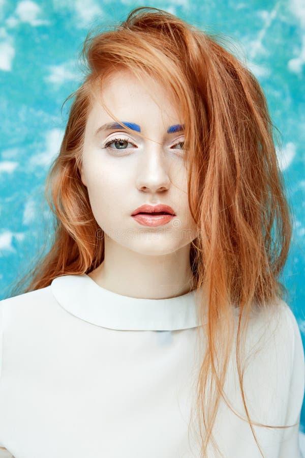 Ingwerhaar-Schönheitsmake-up lizenzfreie stockbilder