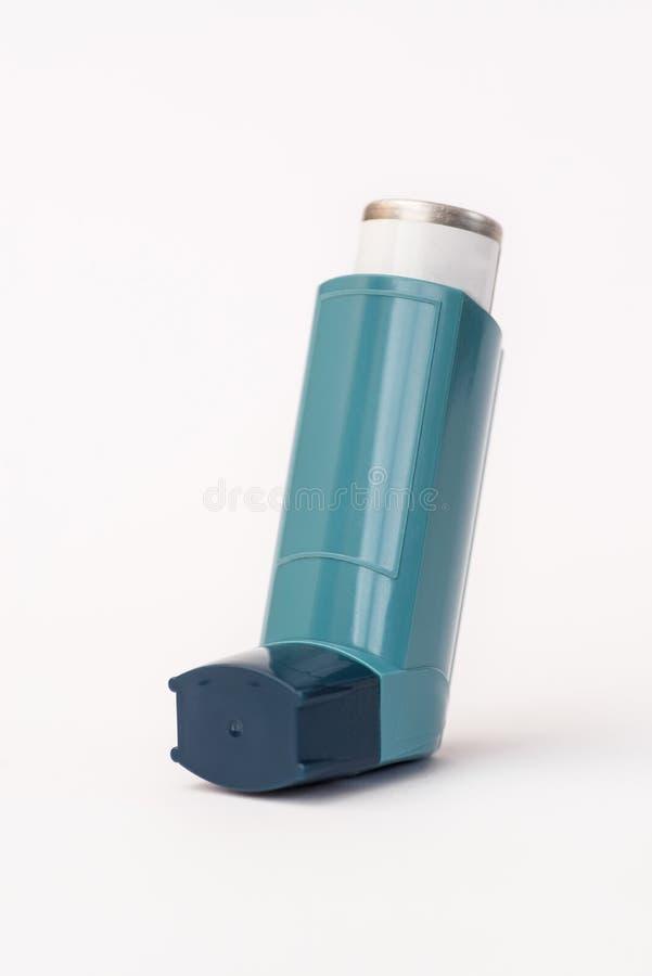 Inhalateur d'asthme sur le fond blanc photo libre de droits