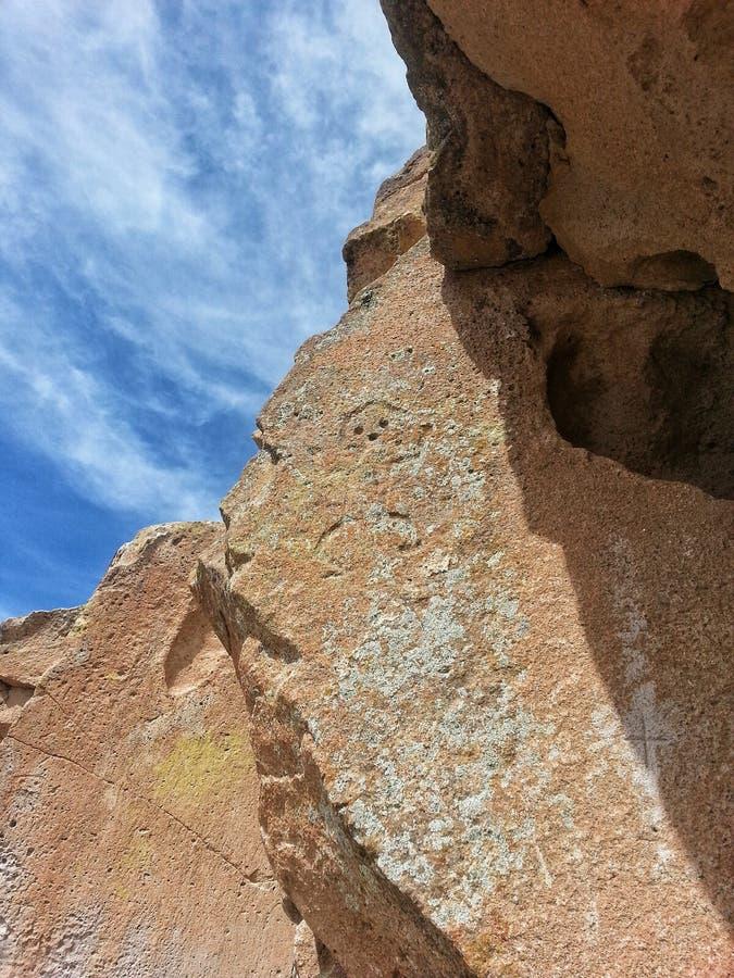 Inheemse Amerikaanse rotstekening Tsankawe New Mexico stock foto