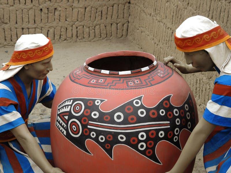 Inheemse cijfers in Lima, Peru royalty-vrije stock afbeeldingen