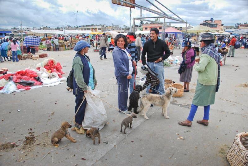 Inheemse Ecuatoriaanse markt stock afbeelding