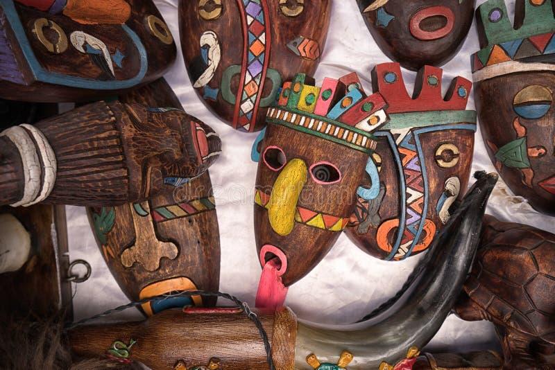 Inheemse quechua gezichtsmaskers stock afbeelding