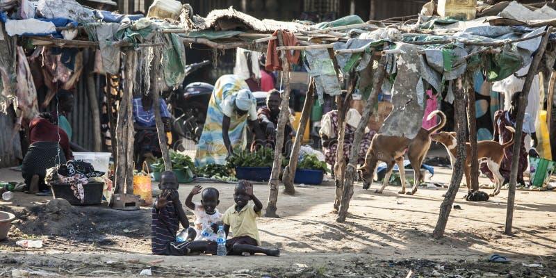 Inheemse verplaatste familie, Bor Zuid-Soedan stock fotografie