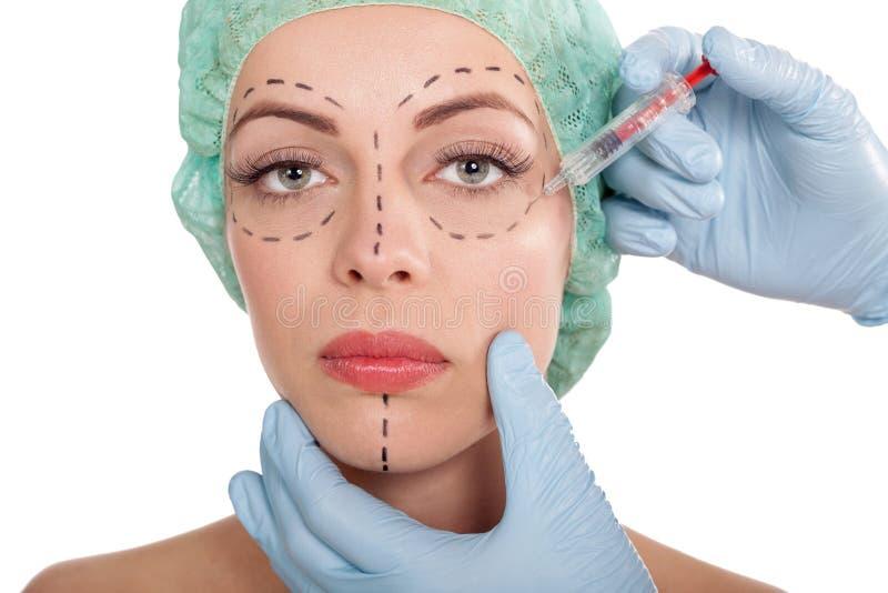 Iniezioni del concetto della chirurgia estetica e del botox immagine stock libera da diritti