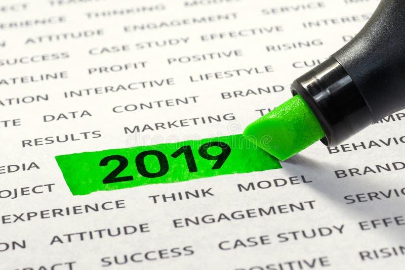 Inizi l'attività per le idee di concetti del nuovo anno 2019 con l'evidenziatore immagine stock libera da diritti
