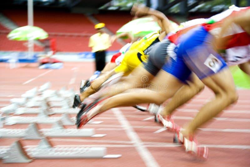 Iniziare degli atleti fotografie stock