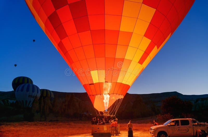 Inizio di mattina della mongolfiera in Cappadocia La Turchia fotografia stock libera da diritti