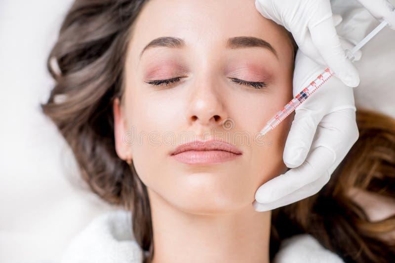 Injeção cosmética do botox fotografia de stock