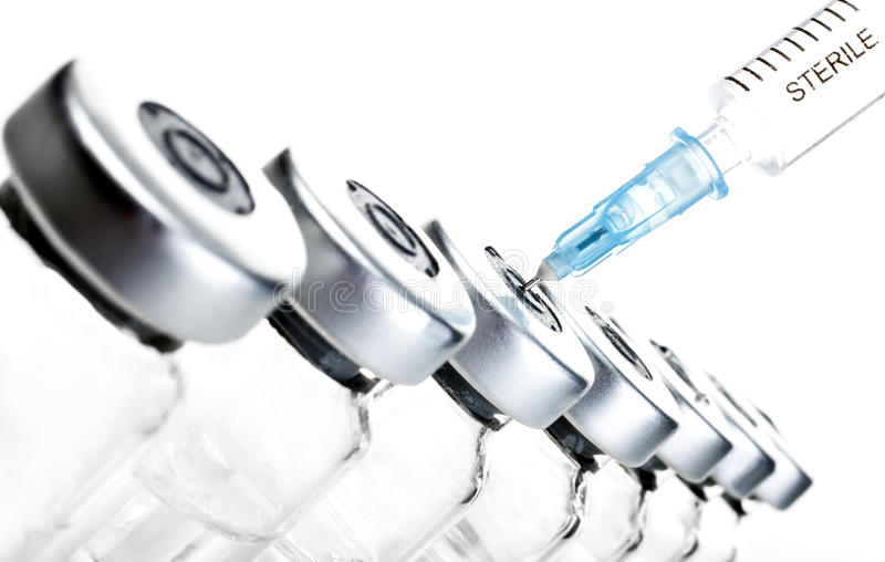 injektionssprutaliten medicinflaska royaltyfria bilder